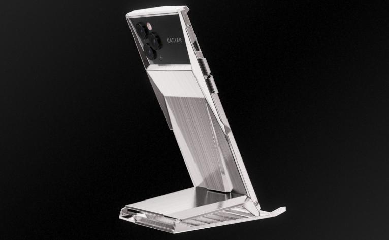 كشف النقاب عن Caviar Cyberphone - وهو جهاز iPhone 11 Pro mod 1