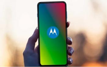 كيفية تنشيط شاشة التوقف على هاتف Motorola